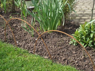 Rustic Iron Edging Hoop pack of 5 37cm high A0120